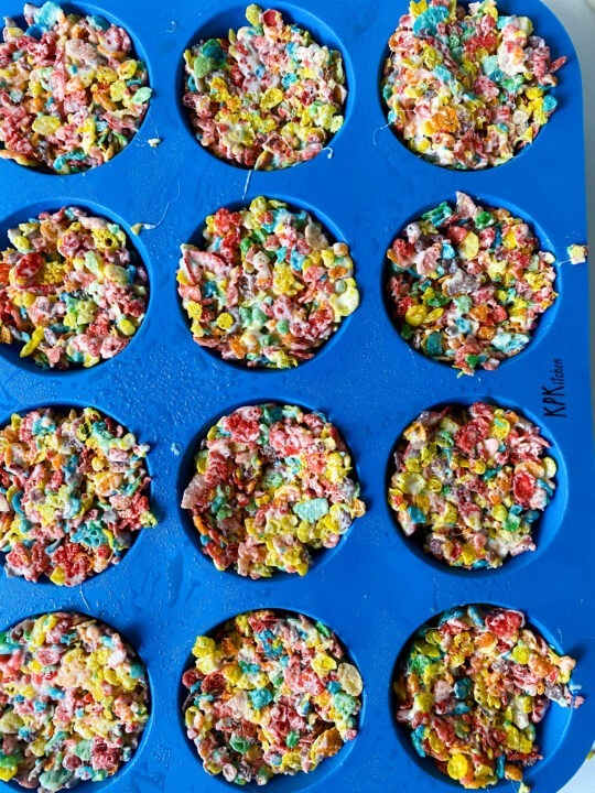 Fruity Pebble Cups Chilling in blue muffin tin